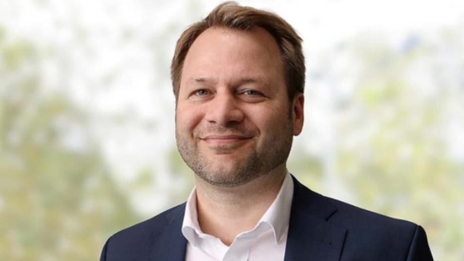 Rechtsexperte Prof. Dr. Simon A. Fischer klärt arbeitsrechtliche Fragen zum Corona-Virus.