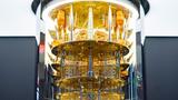 2021 wird ein solcher IBM Q System One Quantencomputer in einem Rechenzentrum von IBM Deutschland bei Stuttgart installiert. © IBM
