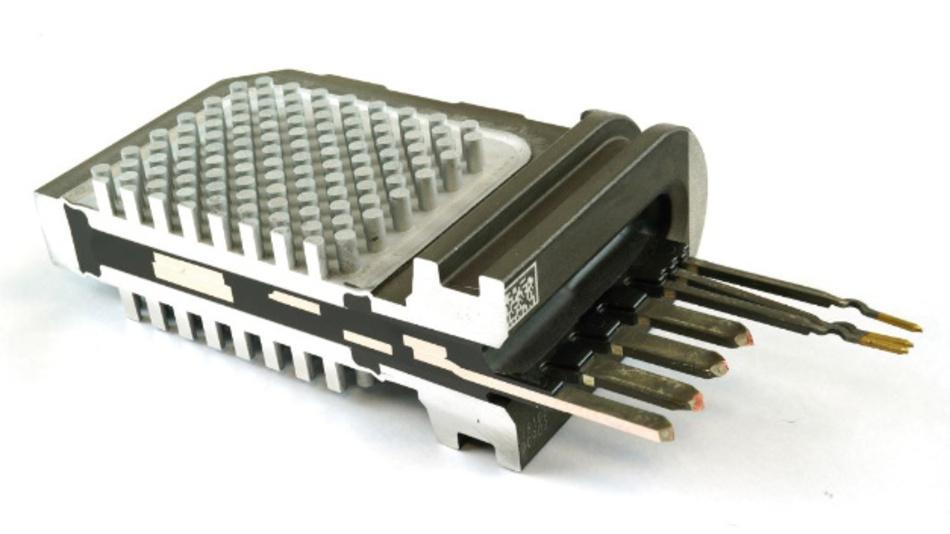 Dieses beidseitig gekühlte Power-Modul der dritten Generation von Hitachi liefert die Antriebsenergie für den Audi e-tron.