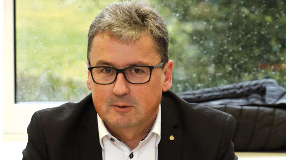 Josef Vissing, TDK Europe  »Die Transparenz in der Lieferkette, die wir während der Allokation hatten, ist schon wieder eingetrübt. Es ist wichtig, dass man weiter offen miteinander spricht. Es war auch die enge Zusammenarbeit mit den Distributions-partnern, die uns in der Allokation geholfen hat.«