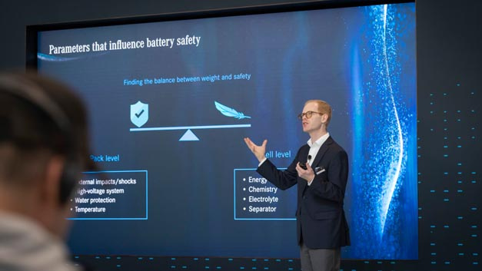 Prof. Dr. Dr. Andreas Hintennach erklärt als Leiter der Batteriezellforschung bei Daimler er, welche Zukunftstechnologien eine Chance für die Mobiliät sind.