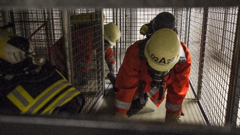 Erhöhte Sicherheit für Rettungskräfte: Dank eines Ortungssystems lassen sich Laufwege nachvollziehen und so Personen besser lokalisieren.