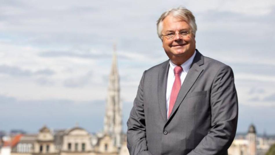 Eric-Mark Huitema, Generaldirektor des ACEA: »Es liegt im Interesse Europas, dass sich dieser strategische Schlüsselsektor nicht nur erholt, sondern auch neu belebt wird.«