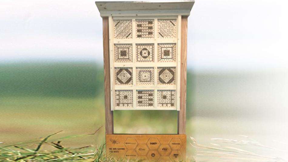 """Ein richtiges """"Hotel"""" für Wildbienen, wenn es draußen ungemütlich wird: Direkt am Firmensitz in Poing schafft EBV dafür Raum."""