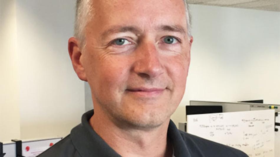 Alfred Hesener ist Leiter des Technischen Marketing für Intelligente Leistungsmodule bei Infineon Technologies. Er verfügt über 30 Jahre Erfahrung im Bereich Leistungselektronik und arbeitet nach verschiedenen Stationen in anderen Halbleiterunternhemen seit sieben Jahren wieder bei Infineon. Hesener hat an der TU Darmstadt Elektrotechnik mit Vertiefung Halbleiter-Elektronik studiert.