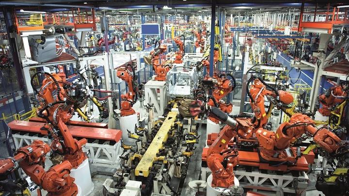 """Wenn die Anzahl dervernetzten Fertigungsmaschinen steigt, wird eine """"Analytische Datenreduzierung und  Auswertung"""" (ADA) direkt an der Fertigungsstraße  zunehmend sinnvoller."""