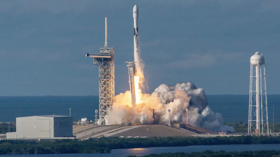 16. November 2018, Cape Canaveral, Florida, USA, 5:46 Uhr Ortszeit: Start der Trägerrakete Falcon 9 von SpaceX, mit dem Satelliten Es'hail-2 als Nutzlast.