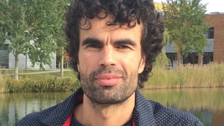 Juan Mena-Carrillo arbeitet als R&D Projekt-Manager im Bereich Smart Lighting und IoT bei Infineon. Er hat einen Abschluss in Elektrotechnik der Universität Granada, Spanien, und arbeitet bereits seit 2005 für Infineon. Auch in seiner Freizeit bastelt er gerne an smarten und vernetzten Leuchten.