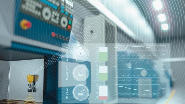 Durchgängig bis zur Sensor-/Aktor-Ebene kommunizieren, bidirektional und mit Zugriff auf Zusatzdaten – damit steigert IO-Link auch das Potenzial industrieller Cloud Services.