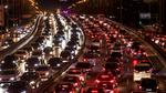 Deutsche fahren lieber mit dem Auto als mit den Öffis