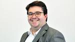 Florian Haspinger CEO und einer der Gründer von Holo-Light, wurde in Tirol geboren und studierte Physik an der Universität Innsbruck. Im Masterstudium spezialisierte er sich auf Luft- und Raumfahrttechnik. Er hat eine Vorliebe für Computertechnik und
