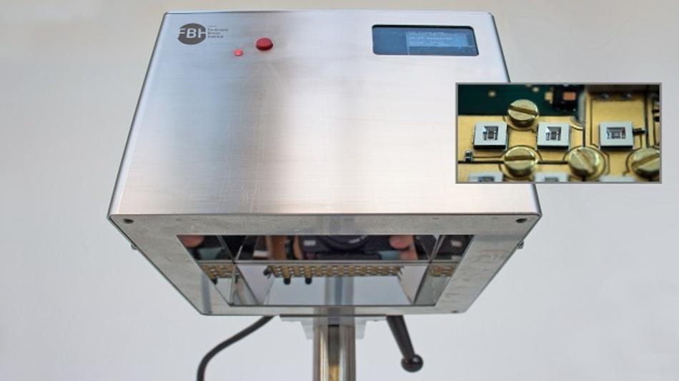 Prototyp des UVC-LED-Strahlers mit 118 LEDs – damit sollen Keime auf der Haut abgetötet werden. Das kleine Bild zeigt einen Ausschnitt des LED-Arrays.