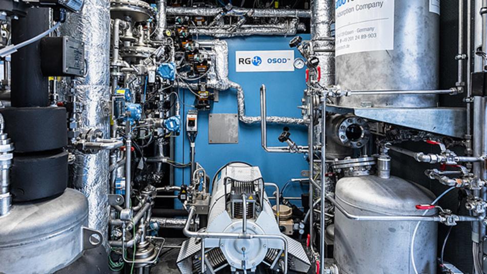 Das Innenleben des OSOD H2 Generators. Der blauen Quader dient der Kernentwicklung: ein Gasofen mit vier Rohrreaktoren, in denen der Chemcial-Looping-Prozess zur Wasserstoffproduktion abläuft.