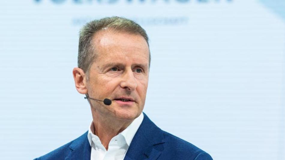 Herbert Diess, Konzernchef von Volkswagen, gibt die Führung der Kernmarke an den bisherigen Co-Geschäftsführer Ralf Brandstätter ab.