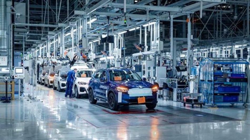 BMW hat die zur Homologation des neuen iX3 erforderlichen Testverfahren abgeschlossen und die Ergebnisse an die Zulassungsbehörden übersandt.
