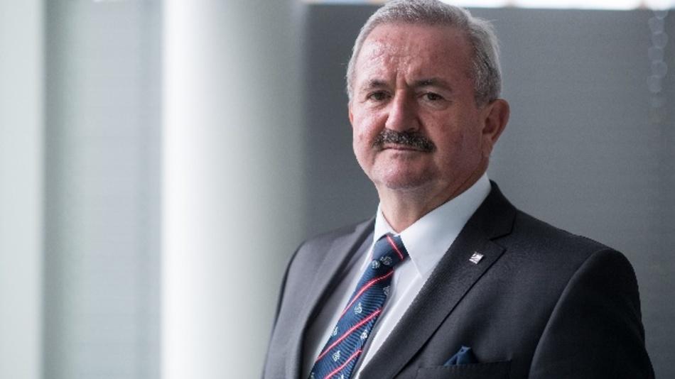 Reimund Neugebauer, Präsident der Fraunhofer-Gesellschaft: »Wenn wir unsere Prozesse technologisch nicht mehr selbst beherrschen (...), dann werden wir auch unsere politische Souveränität nur noch eingeschränkt wahrnehmen können.«