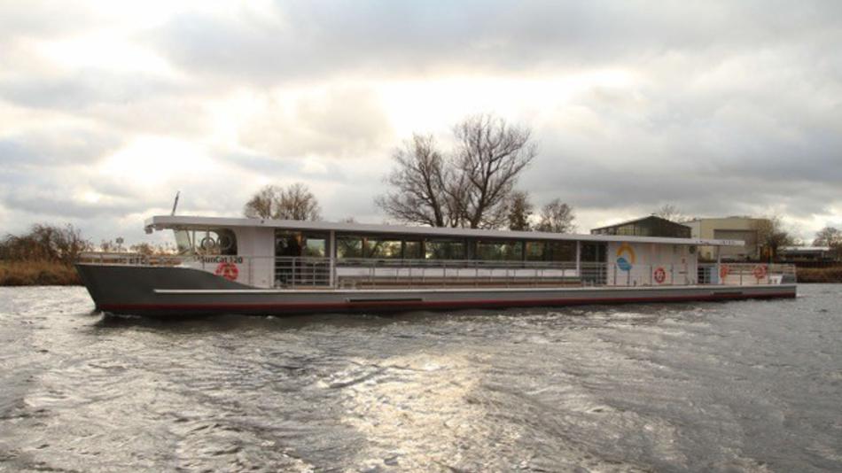 Volle Kraft voraus: Berlins erstes rein solarbetriebenes Fahrgastschiff nutzt effiziente Energiespeicher von aentron.