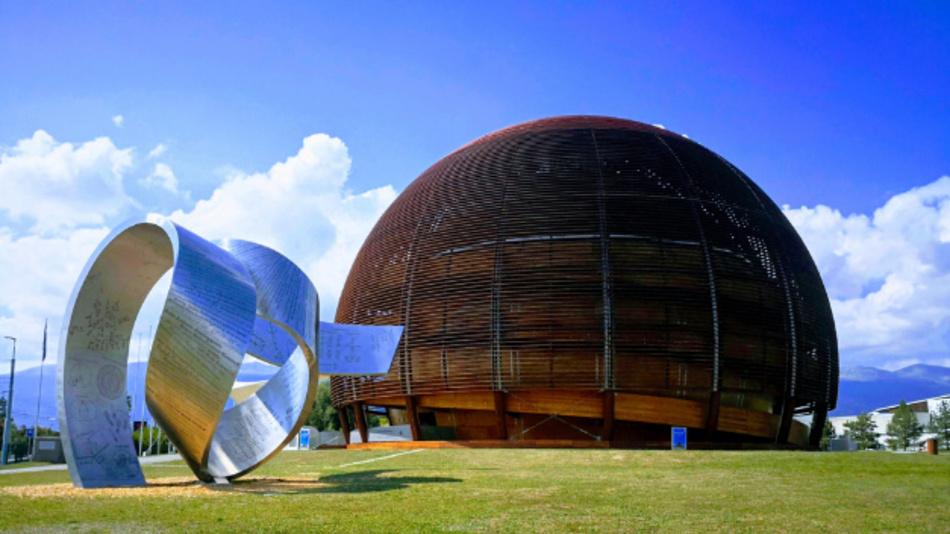 Das Besucherzentrum Globe der europäischen Kernforschungsorganisation CERN.