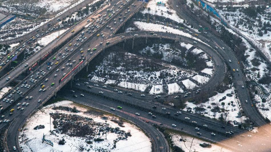 Assistenzsysteme helfen auch in komplexen Verkehrssituationen.