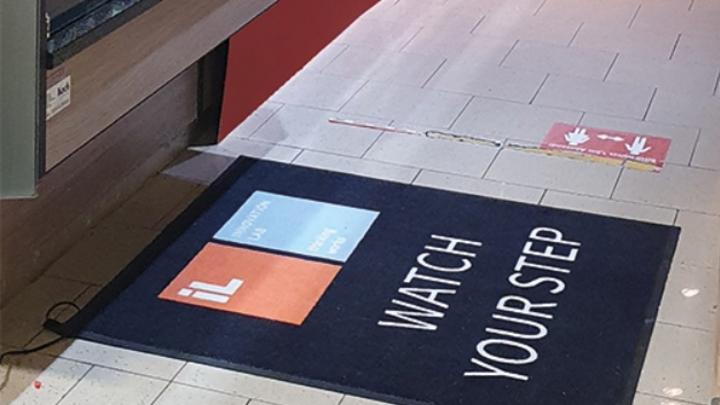 8000 gedruckte Sensoren stecken in der Fußmatte von InnovationLab