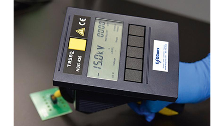 Bild 2. ESD-Test mit einer Prüfspannung von 15 kV.