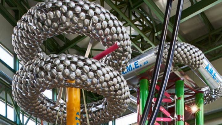 Prysmian hat einen 800 Mio. Euro schweren Auftrag erhalten, in Deutschland ein vollständiges ±525-kV-HGÜ-Erdkabelsystem zur Stromübertragung von 2 GW aufzubauen.