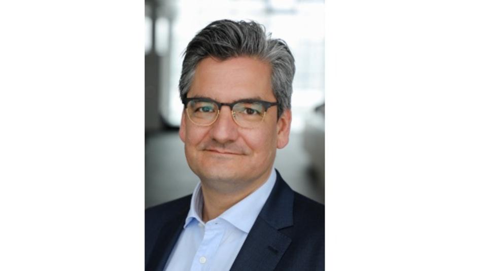 Dr. Clemens Müller, Infineon Technologies: Die Sensorfusion mit Druck- oder Gassensoren, eine noch weiter verbesserte Sensorgenauigkeit und Fortschritte in der Algorithmus-basierten Zelldiagnose einschließlich maschinellen Lernens werden es ermöglichen, viel genauere Batteriedaten zu sammeln.«