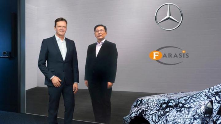 Mercedes-Benz verkündet strategische Partnerschaft und Beteiligung an Batteriezellenhersteller Farasis Energy: Markus Schäfer, Mitglied des Vorstands bei Daimler und Mercedes-Benz (links) und Dr. Yu Wang, Gründer und CEO Farasis Energy (rechts).