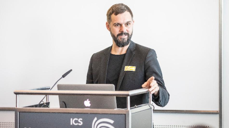 Florian Niethammer, Landesmesse Stuttgart: »In den geführten Gesprächen zeigte sich, dass besonders durch die hohe Internationalität in Kombination mit den anhaltenden Reisebeschränkungen die Vision in diesem Jahr nicht in der gewohnten Qualität umgesetzt werden kann.«