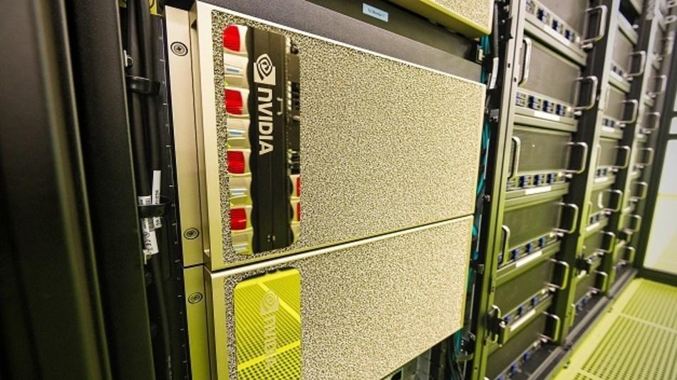 Bei den neuen Computersystemen vom Typ DGX A100 handelt es sich um Hochleistungsserver mit jeweils acht NVIDIA A100 Tensor Core GPUs. Gemeinsam erbringen die acht Beschleuniger eine Rechenleistung von 5 AI-PetaFLOP/s.