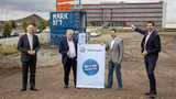 Volkswagen Infotainment will Bochum als Software-Standort stärken: Frank Rösler, Chief Financial Officer der Car.Software-Organisation im Volkswagen Konzern, Bernhard Krausse, Sprecher der Geschäftsführung Volkswagen Infotainment, Tobias Nadjib, Gesc