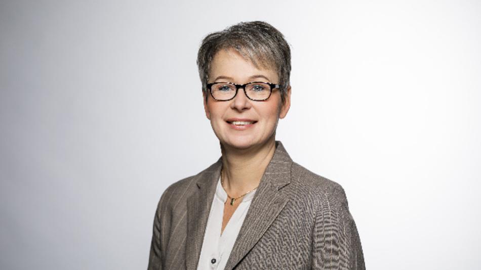 Manuela Gutmann, Yamaichi Electronics Deutschland: »Wie viele der heutigen M12-Schraubanwendungen auf Push-Pull umgestellt werden, muss sich natürlich noch zeigen. Das branchenübergreifende Interesse ist jedoch enorm groß.«