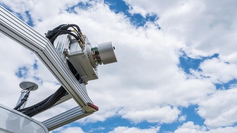 Ans Messfahrzeug montiert, fährt der 3D-Laserscanner mit einer Geschwindigkeit von bis zu 80 km/h das Objekt ab und registriert dessen Gesamtgeometrie und auch die entsprechenden Veränderungen.