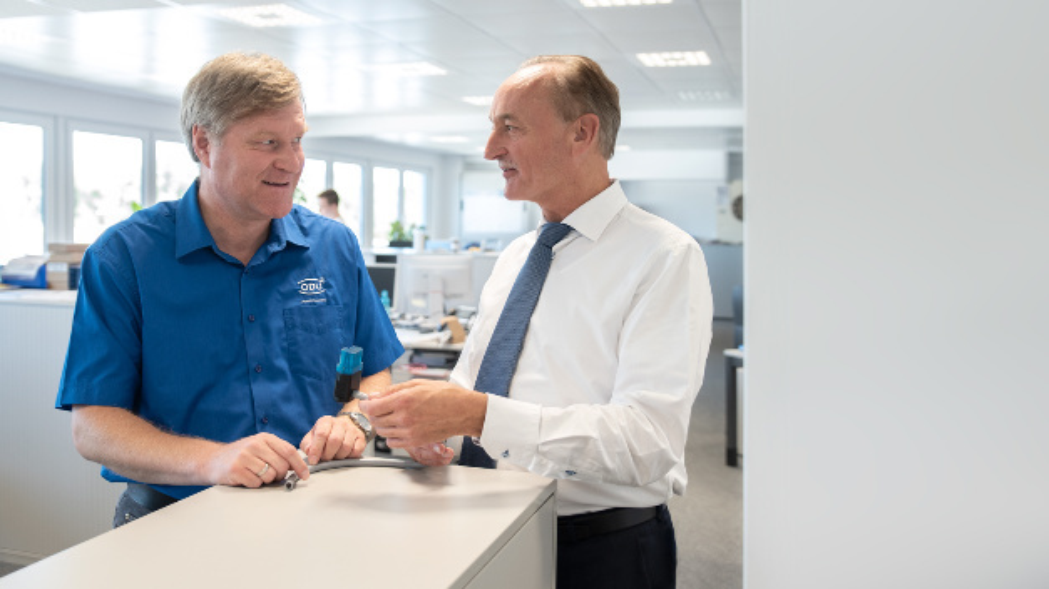 Gerhard Nicklbauer und Dr. Georg Staperfeld von ODU sind überzeugt davon, dass der 3D-Druck langfristig die Vision eröffnen werde, näher an die 'Losgröße 1' heranzukommen.