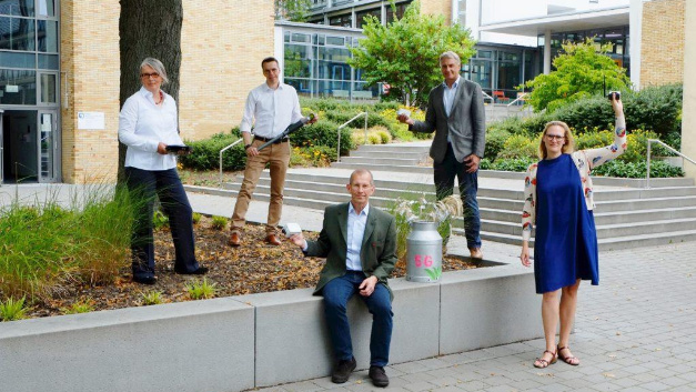 The research team: (from left to right): Prof. Dr. Ina Schiering and Prof. Dr. Andreas Ligocki (Ostfalia University of Applied Sciences), Friedrich Hanstein (Lower Saxony Forest Planning Office), Martin Hillmann (Lower Saxony Chamber of Agriculture) and Elisabeth Hüsing (Foundation Future Forest).