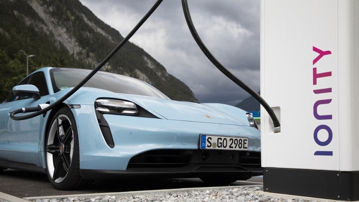 Taycan Upgrade 2020 Laden Elektroauto