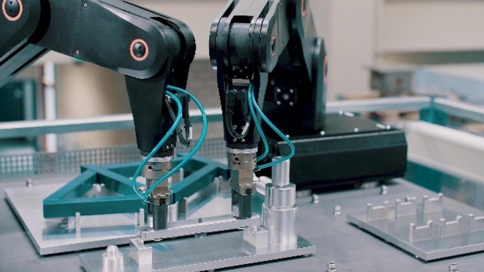 Flexibles Produktionssystem: Höhere Kraft und Genauigkeit, etwa bei der Montage eines Fahrradrahmens.