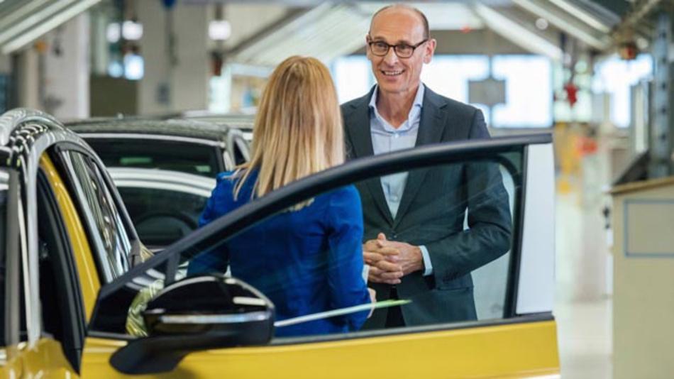 Markenvorstand Ralf Brandstätter beim Start der Serienproduktion des ID.4 in Zwickau