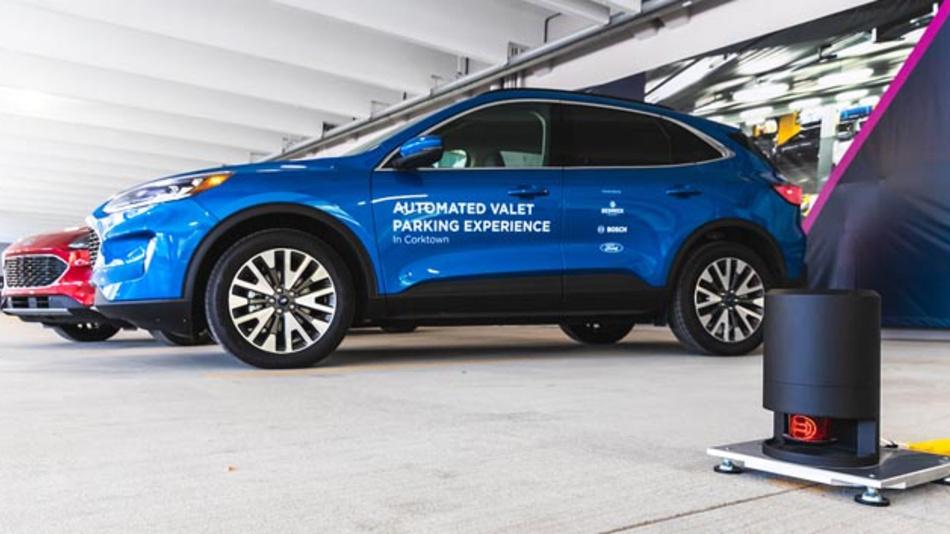 Fahrerlos Parken dank intelligenter Infrastruktur – das erproben momentan Ford, Bedrock und Bosch in Detroit.