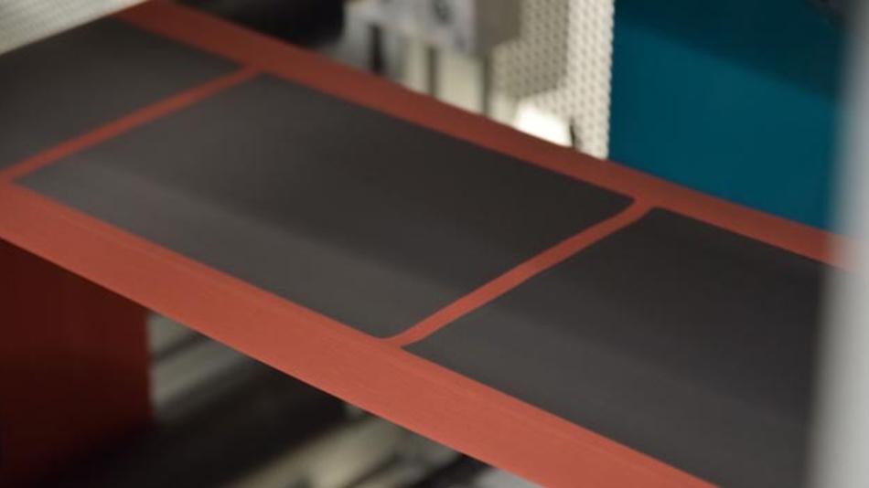 Herstellung von Elektroden für Lithium-Ionen-Batterien: Das Aktivmaterial wird als Paste aufgetragen und anschließend getrocknet.