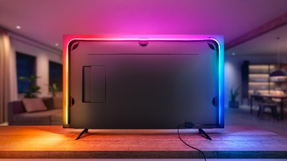 Mithilfe der Hue Sync App können Nutzer die Art und Weise anpassen, wie die Lampen auf die Inhalte des Fernsehbildschirms reagieren sollen. Einstellbar sind zum Beispiel die Geschwindigkeit und Intensität der Lichteffekte und vieles mehr.