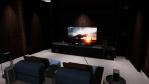 In den Home Entertainment-Zonen, wie etwa der Movie-Zone, hebt LG die wichtigsten Eigenschaften der OLED-Fernseher hervor: scharf, schnell, glatt und schlank. Die Besucher können die selbstleuchtende Display-Technologie von LG im Vergleich zu herkömm...