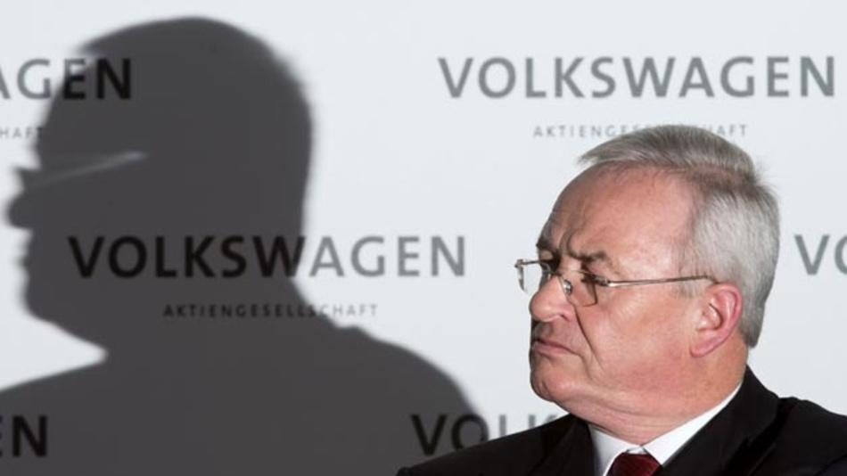 Knapp fünf Jahre nach dem Auffliegen der Abgasaffäre bei Volkswagen hat das Braunschweiger Landgericht die Betrugsanklage gegen Ex-Konzernchef Martin Winterkorn zugelassen.