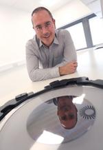 Dr. Matthew Hayes, Chief Technology Officer bei Evonetix: »Die Zusammenarbeit mit Analog Devices ist ein bedeutender Schritt vorwärts in unserer Zielsetzung, eine hochparallele Desktop-Plattform für die präzise Synthese von DNA im großen Maßstab zu e