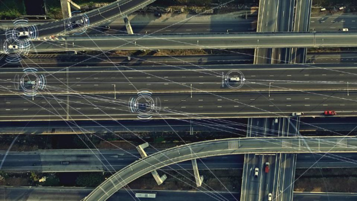 Informatiker der TU München haben eine Software entwickelt, die Unfälle beim autonomen Fahren verhindern soll.