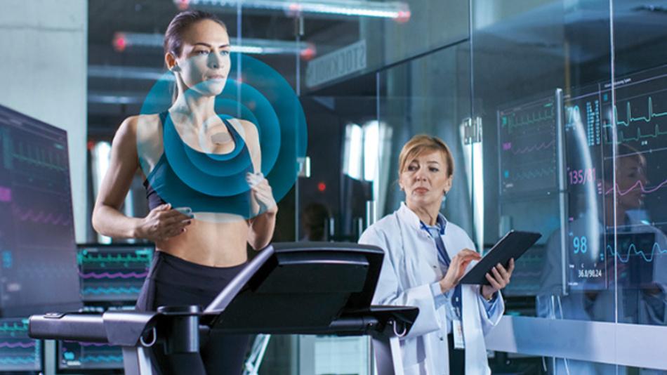 Der AS7038RB ist ein kompakter optischer Sensor für medizinische Wearables.