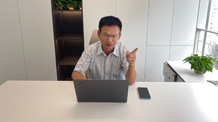 Zhou Aijun, DKE Displays: »Nach unserer Einschätzung wird China bereits Ende 2020 seine vorjährige Wirtschaftskraft erreichen; in Europa und Nordamerika wird es wohl noch bis Ende 2021 dauern.«