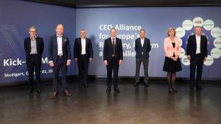 Die europäische CEO-Allianz will die branchenübergreifende Zusammenarbeit gegen Klimawandel stärken: (vlnr) Georg Kell (Advisor), Henrik Henriksson (Scania), Peter Weckesser (Schneider Electric), Thierry Vanlacker (AkzoNobel), Herbert Diess (Volkswag