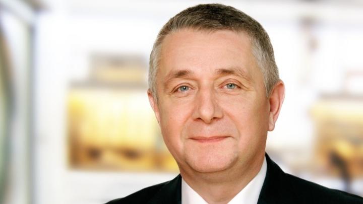 Führungswechsel beim Deutschen Flachdisplay-Forum e.V. (DFF): Dr. Armin Wedel, Bereichsleiter beim Fraunhofer-Institut für Angewandte Polymerforschung IAP in Potsdam, wurde am 01. Oktober vom Vorstand des DFF zum 1. Vorsitzenden gewählt.