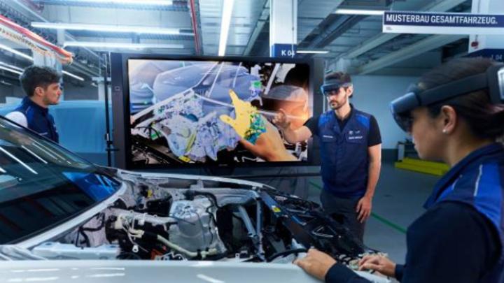 Bewertung von Bauteil und Montageprozess über AR-System mit cloudbasierter Visualisierung im Bereich Fahrzeug-Musterbau.